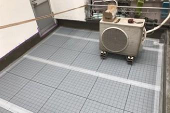 通気緩衝工法用の通気シートを敷設