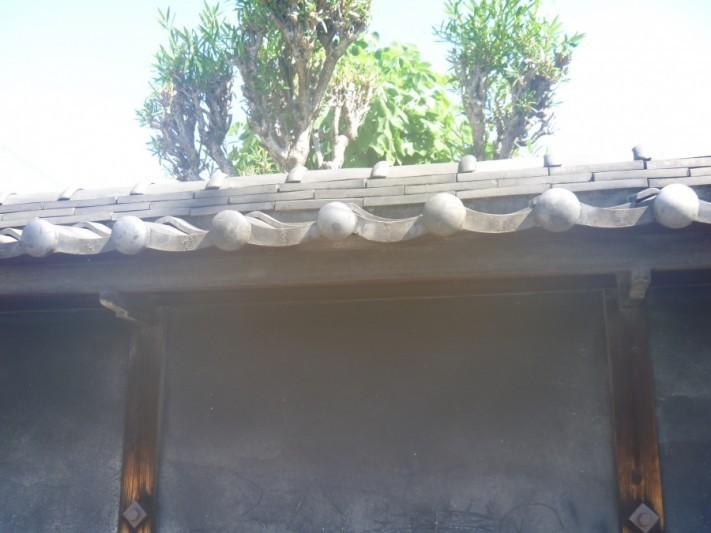 古くなったトタン屋根に最適なメンテナンスは塗装か屋根カバー工法か葺き替えか