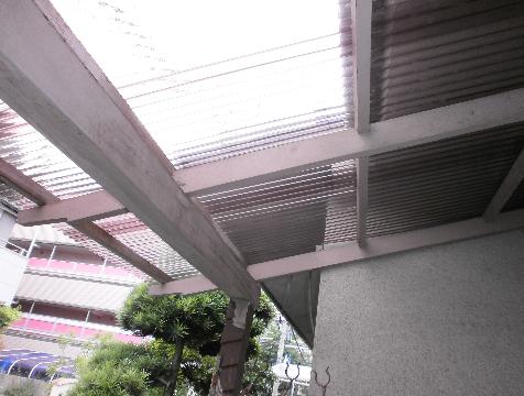 木製テラス 波板