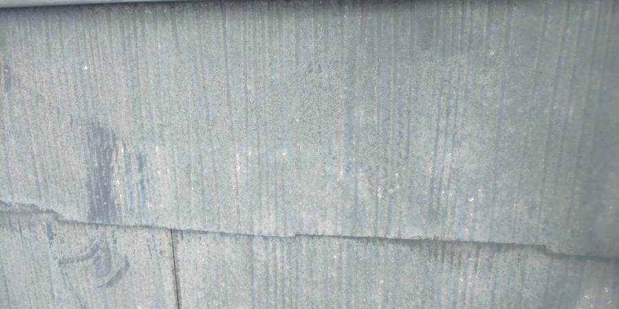 尼崎市カラーベスト表面の塗装劣化