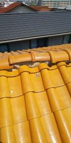 西宮市瓦屋根棟部分のズレ