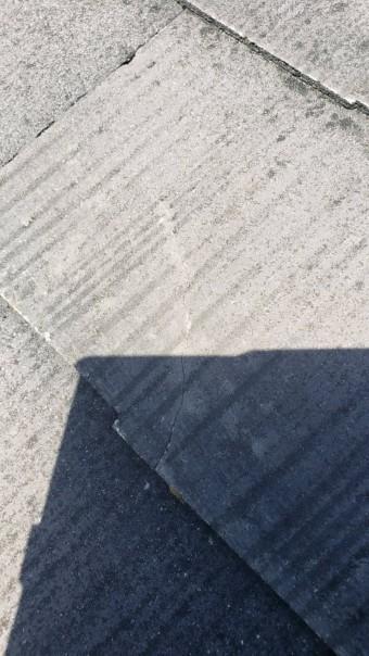 西宮市にて築25年カラーベスト屋根の汚れ