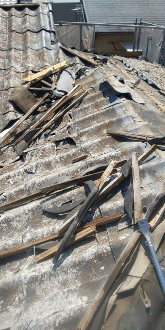 西宮市15年使用した屋根材セキスイU瓦撤去