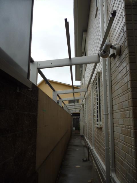 犬走りテラス屋根工事2