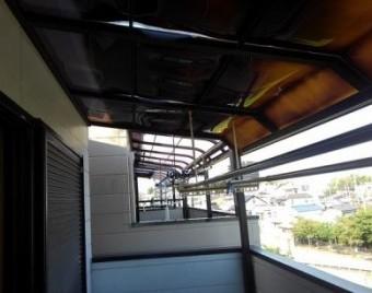屋根材の変色