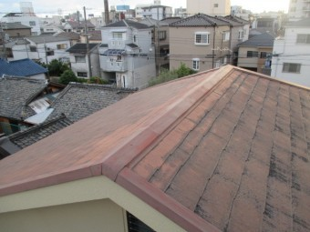 西宮市木造住宅カラーベスト屋根劣化黒染み