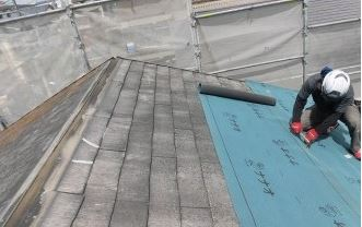 屋根工事作業
