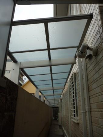 犬走りテラス屋根工事完成