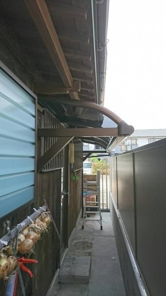 直付けテラス屋根完成