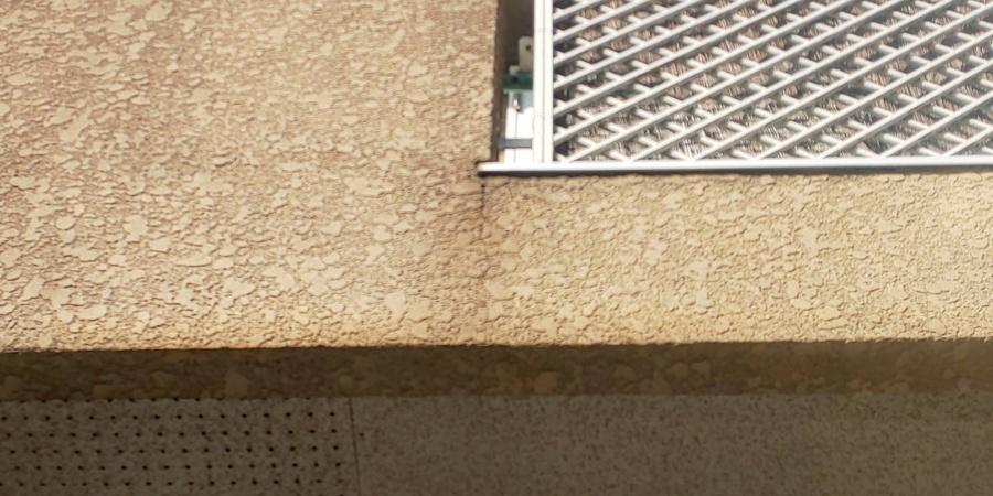 宝塚市築15年~18年木造二階建て住宅スタッコ壁劣化