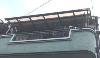 ポリカ屋根板取付完成