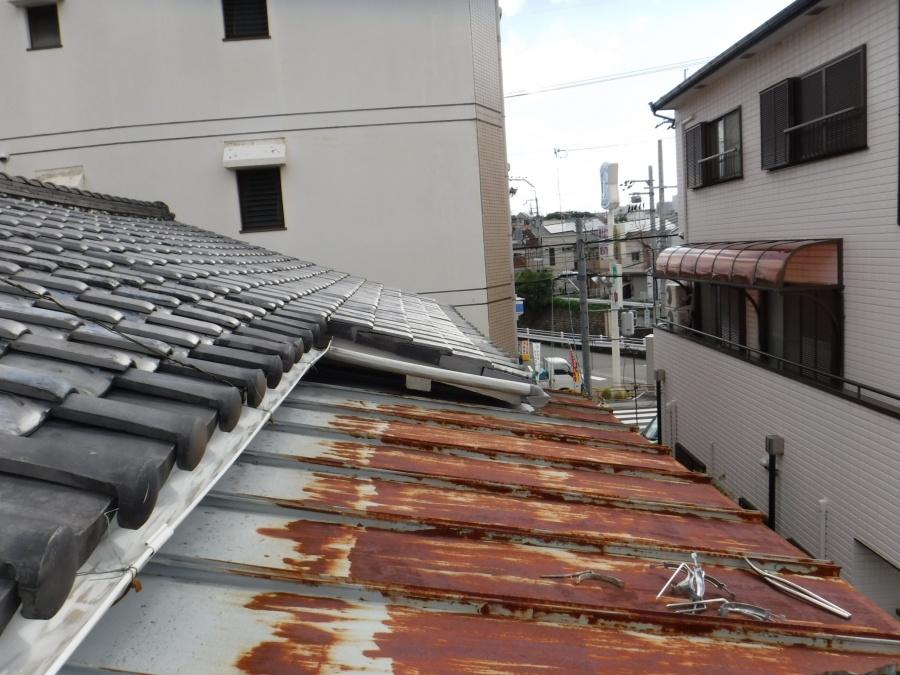下屋根塗装1