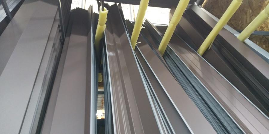 宮市尼崎市カラーベスト屋根に使われている板金材