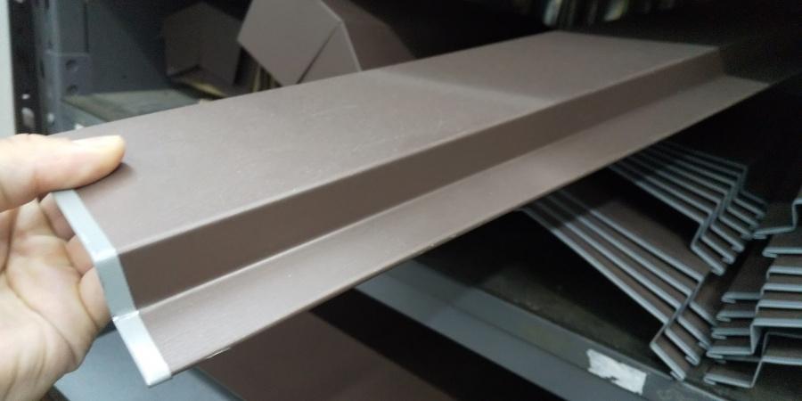 西宮市尼崎市カラーベスト屋根に使用される板金部材