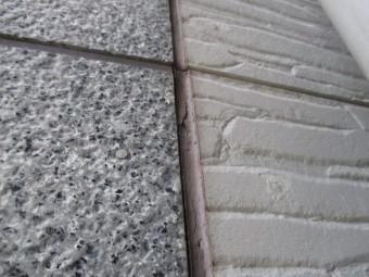 西宮市外壁材の目地が黒く変色