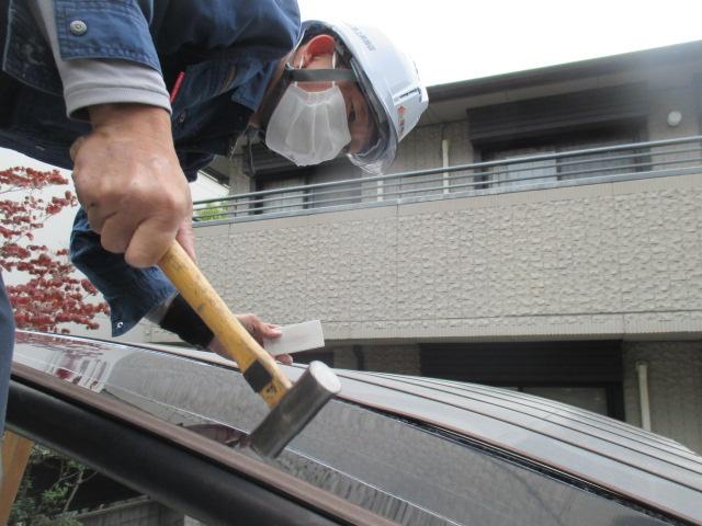 西宮市カーポート屋根取付作業