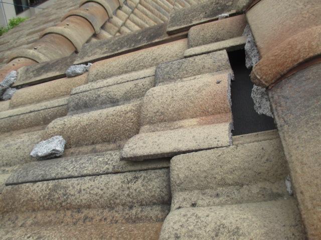 セメント瓦の割れ