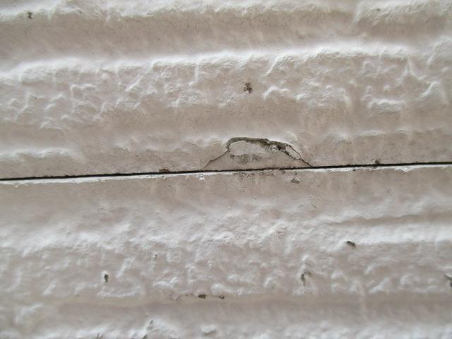 西宮市窯業系サイディング壁欠けている