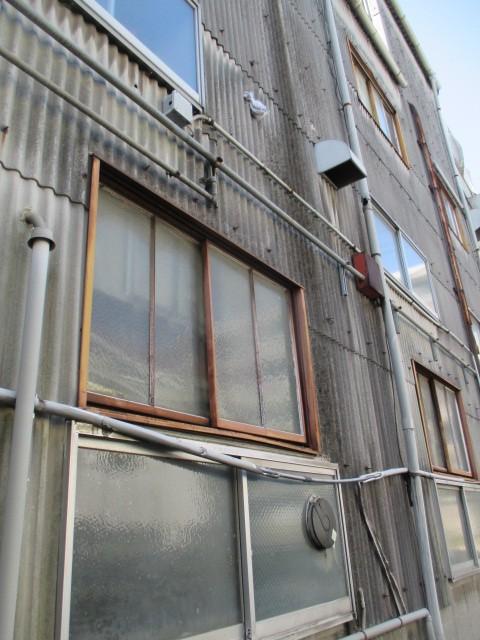 西宮市工場倉庫外壁面