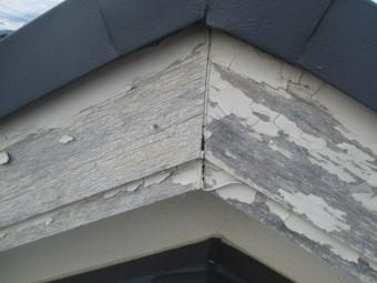 三田市築30年ほど経過した破風板の劣化状況