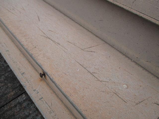 芦屋市宮塚町カラーベスト屋根板金部分釘サビ