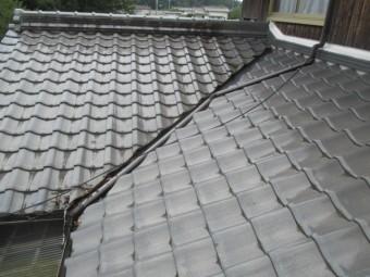 三田市築50年以上瓦屋根の谷樋部分