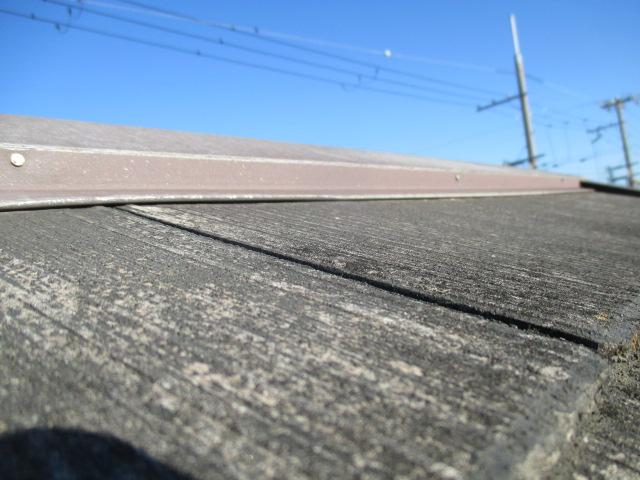 尼崎市カラーベスト屋根板金浮き