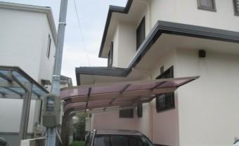 西宮市にて築25年木造二階建て住宅駐車場にあるカーポート屋根