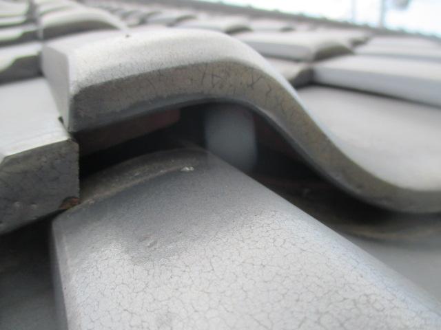 西宮市木造平屋 屋根瓦が浮いている