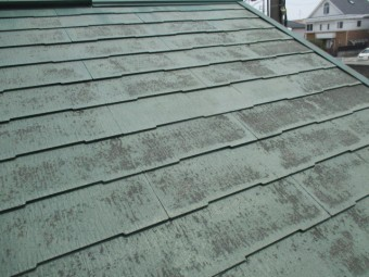 宝塚市にて築17年ほど経過している木造二階建て住宅カラーベスト屋根