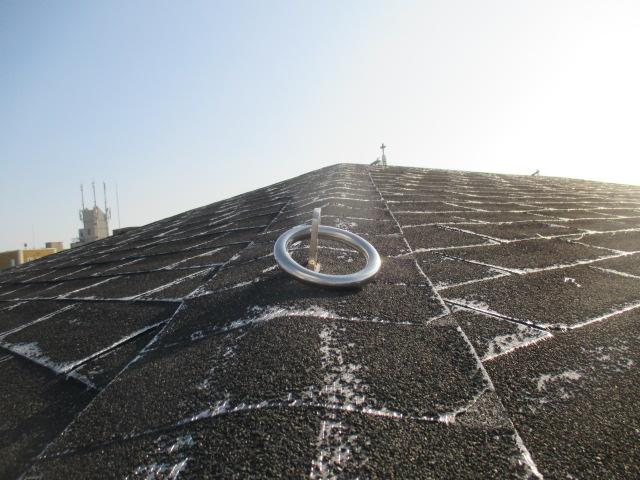 西宮市にてマンションの屋根アスファルトシングル材の状態