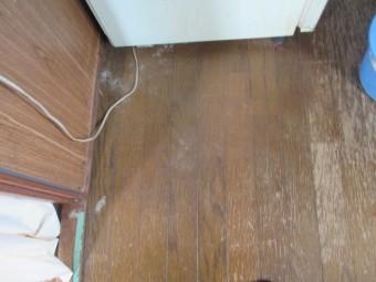 西宮市木造二階建て住宅雨漏れ被害フローリング