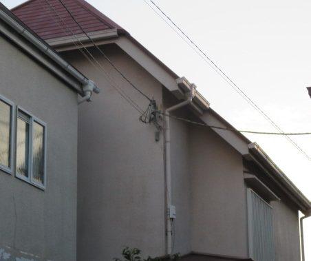 西宮市築30年経過しているカラーベスト屋根急こう配