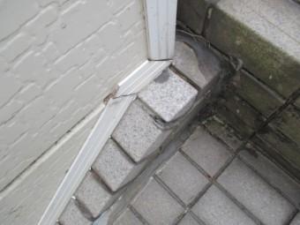 尼崎市3階建て住宅タイル階段雨漏れ