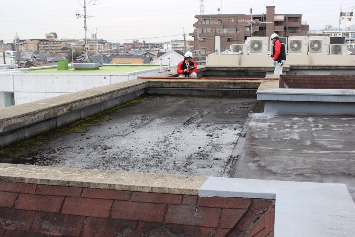 兵庫県尼崎市 M様邸 雨漏り防水工事の現地調査に伺いました。