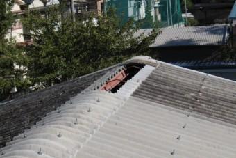 スレート屋根棟1