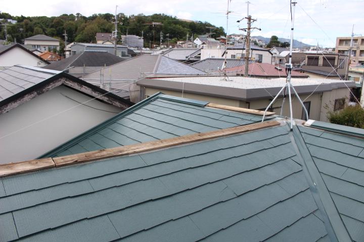台風被害棟包み飛散2