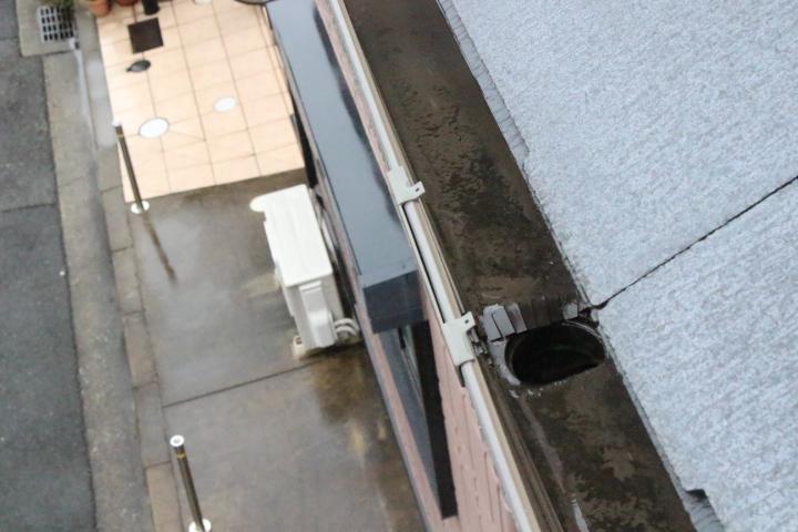 屋根ひび割れ4