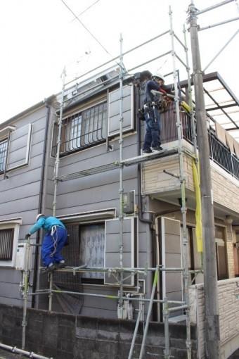 屋根修理足場設置4