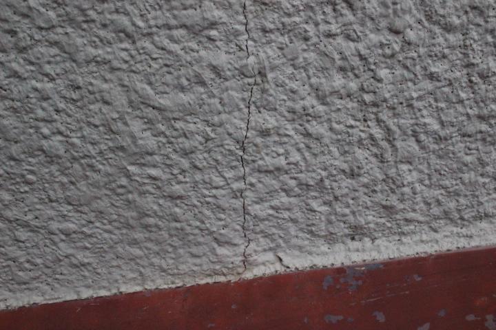 川西市壁雨漏り5