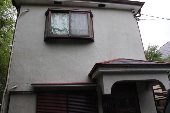 外壁クラック修理前