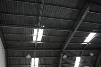 倉庫屋根カバー工事下見2