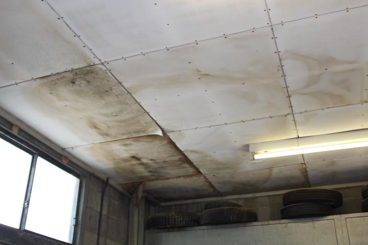 スレート屋根雨漏り1