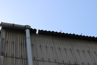 尼崎市工場雨樋修理2