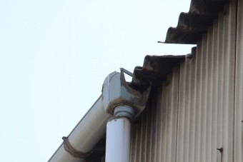 尼崎市工場雨樋修理3