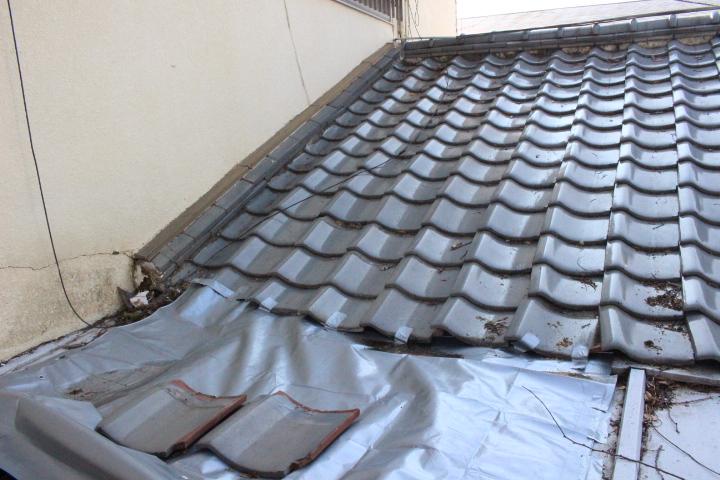 下屋根瓦棒修理3