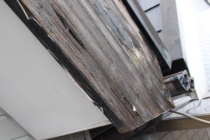 破風板修理1