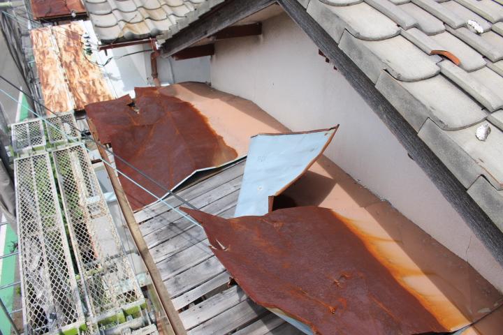 西宮市庇屋根修理2