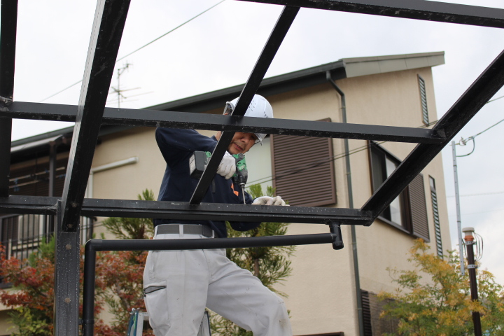 カーポート屋根修理中2