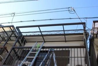 テラス屋根修理中2